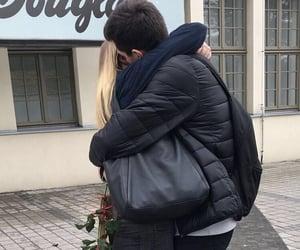 couple couples, عناقك عناق, and love kiss kisses hug hugs image
