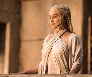 Image result for daenerys targaryen meereen