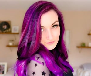 purple and pink hair and laurenzside image