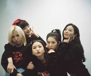 article, red velvet, and tag image