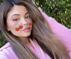 beauty and kylie jenner image