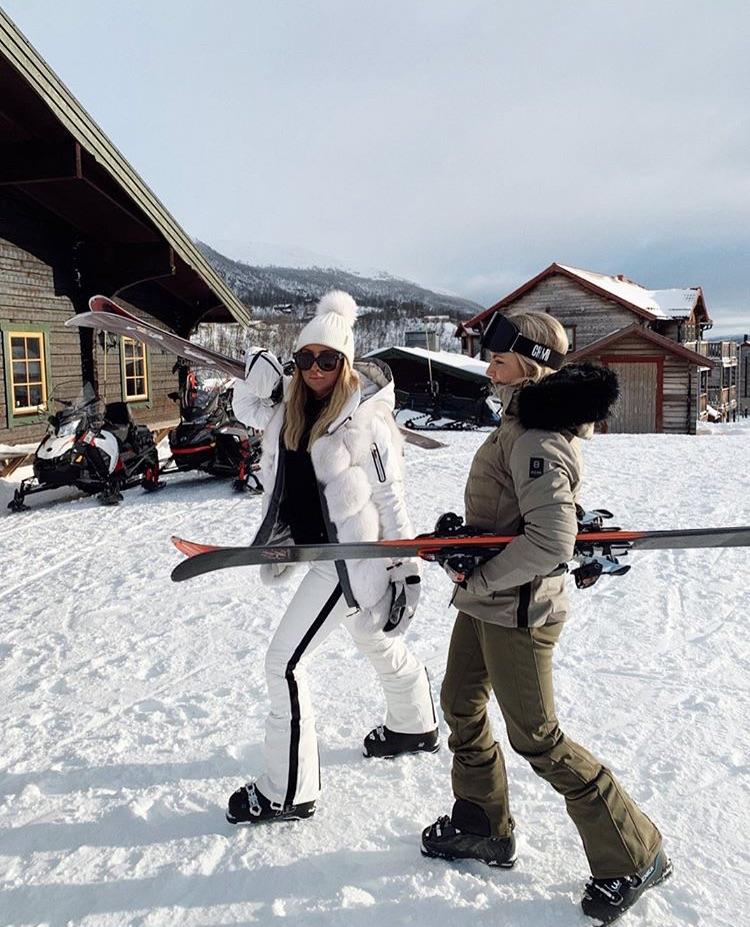 girl, Skiing, and snow image