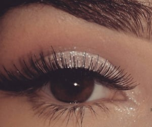 aesthetic, browneyes, and shimmers image