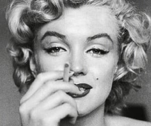 Marilyn Monroe, Pin Up, and 40's image