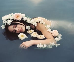 lana del rey, flowers, and alternative image