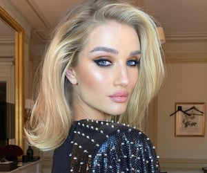 beautiful, hair, and highlighter image