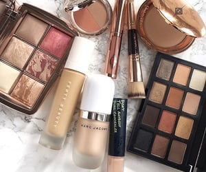 makeup and marc jacobs image