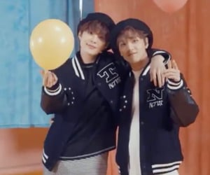 jungwoo, nct, and haechan image