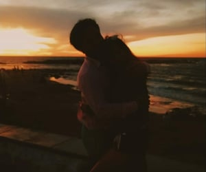amor, couple, and atardecer image