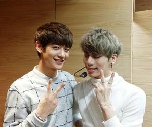 SHINee, kim jonghyun, and choi minho image