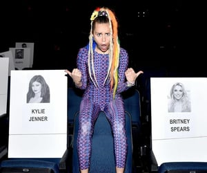 britney spears, vmas, and miley cyrus image