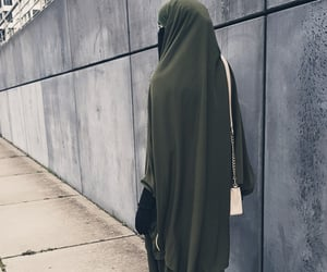 hijab, veil, and jilbeb image