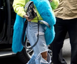 accessories, style, and celebrity image