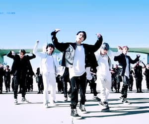 gif, bts gifs, and bts headers image