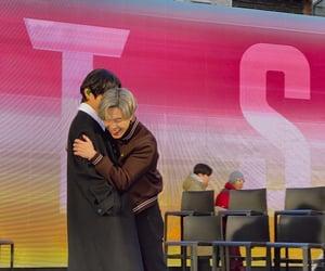 hug, kpop, and ship image