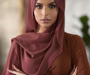 beauty, arabic dress, and middle east oriental image