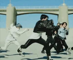 jungkook, gif, and kpop image