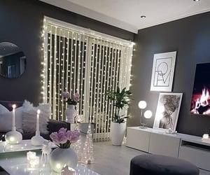 blanco, casa, and espejo image