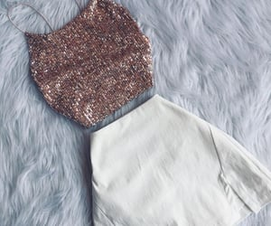 alfombra, blanco, and girls image