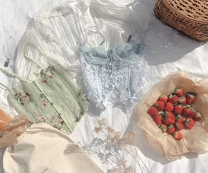 strawberry, vintage, and aesthetic image