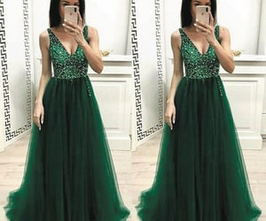 evening gown, green prom dress, and robe de soirée image