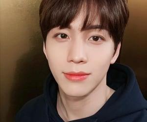 idol, kim kook heon, and korean image