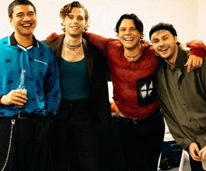 article, 5 seconds of summer, and michael clifford image