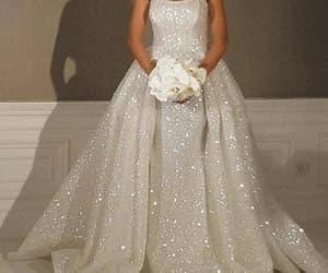 wedding gowns, robe de mariée, and elegant wedding dress image