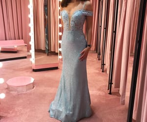 evening, prom dresses, and evening gowns image