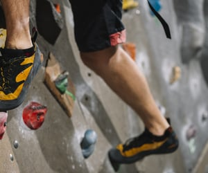 wall climbing, wall climbing help, and wall climbing tips image