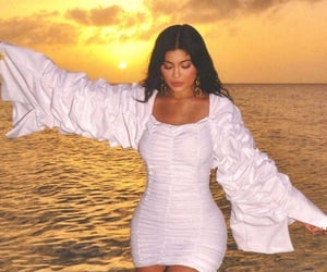 kylie jenner, kylie, and sunset image