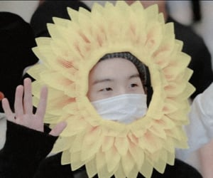airport, min yoongi, and flower image