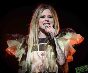 Avril Lavigne and cantante image