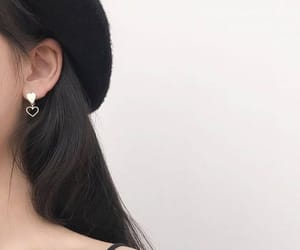 beret, earings, and heart image