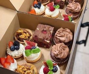 chocolat, cupcake, and dessert image