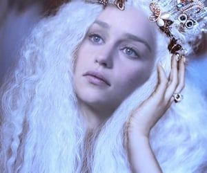 gameofthrones, emiliaclarke, and daenerys image