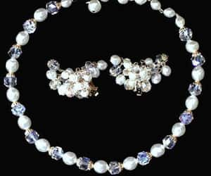 aurora borealis, pearl jewelry, and bridal jewelry set image