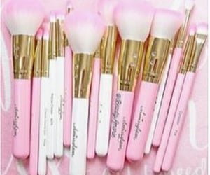 accessories, makeupbrushes, and makeupandaccessories image