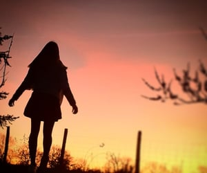 girl, sun, and winter image