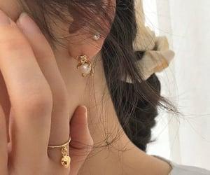 jewelry and uploads image