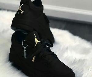 jordans, blackshoes, and blackjordans image