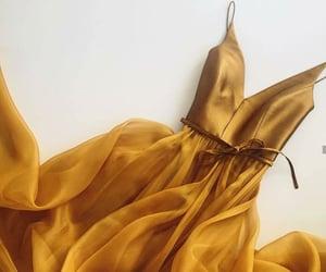 amarillo, elegante, and moda image