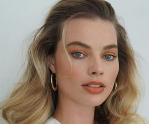 margot robbie, beauty, and actress image
