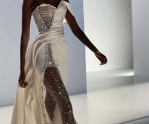 2020 and ralph & russo image