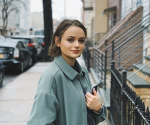 joey king and the kissing booth image