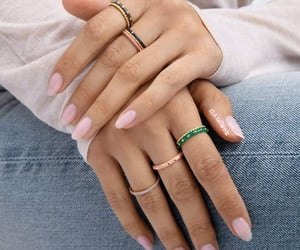 oval nails&rings image