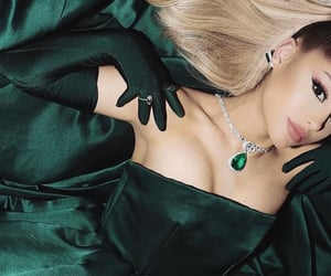 aesthetic, celebrity, and emerald image