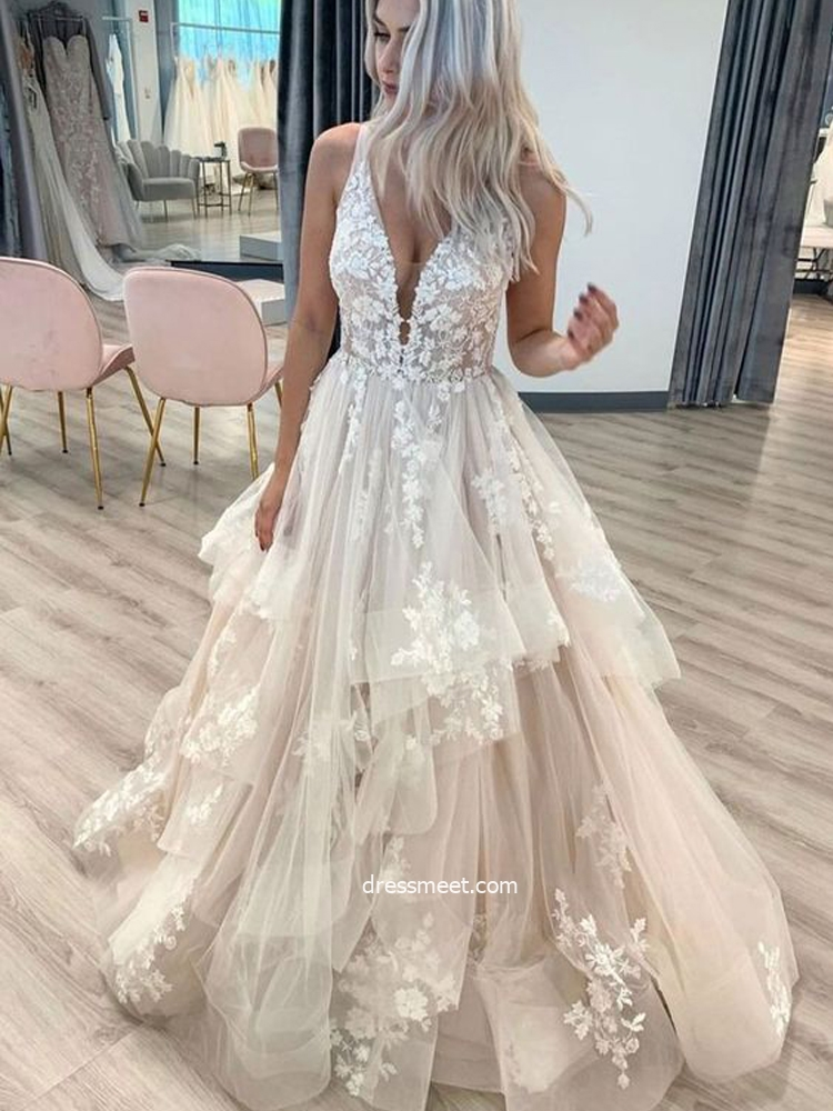 Charming Ball Gown V Neck Open Back Champagne Tulle Wedding Dresses With Lace,Outdoor Wedding Fall Wedding Guest Dresses 2020