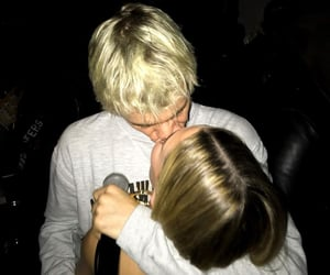 justin bieber, couple, and kiss image