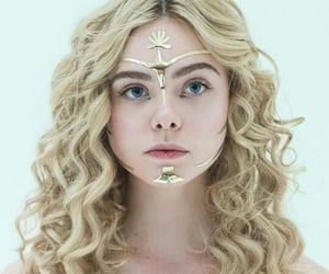 Elle Fanning, the neon demon, and blonde image